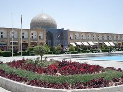 Sheikh-Lotfollah