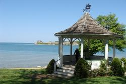 Kiosque à Niagara-on-the-lake, au bord du lac Ontario (20340884)