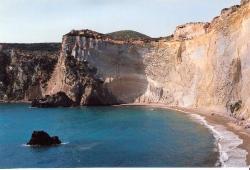 Isola di Ponza (LT) parete a strapiombo su Cala di Luna (20452544)