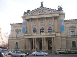 Gedung Opera Negara