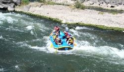 White water rafting in the Urubamba river (20648797)