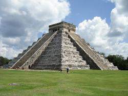 库库尔坎金字塔