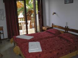 Hotel Costas Mary