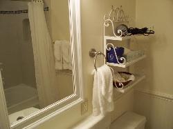 okay sized bathroom... hairdryer on the shelf