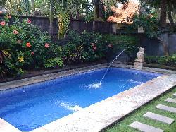 Private 7m Pool !