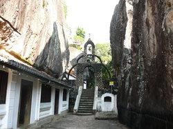 アルヴィハーラ石窟寺院