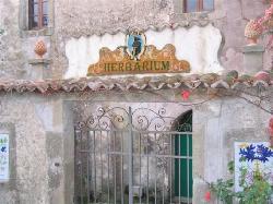 L'ingresso dell'herbarium del Convento