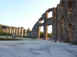 römisches Aquadukt in Aspendos (22587576)