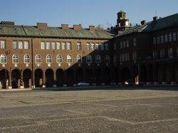 Dom Square