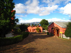 Aux Bougainvillees