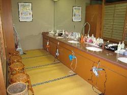 お風呂場の化粧室です。