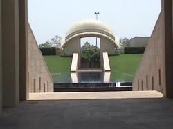 Main entrance to hotel, Trident Hilton, Gurgaon.  Absolutely gorgeous hotel! (24133646)