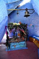 Inside the stones: Blue Temple, Jabalpur