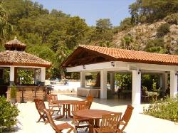 Sultan Palas Hotel - Poolside Bar and Garden Restaurant