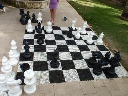 Mini-giant chess game