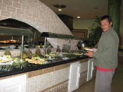 Restaurante La Isabélica- Mi novio comiendo en la madrugada!