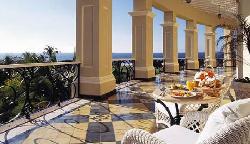Balcony (24615355)