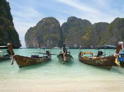 マヤビーチからタイの漁船チャーターでも行ける (24728815)