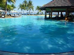 the pool - Pacific Sutera