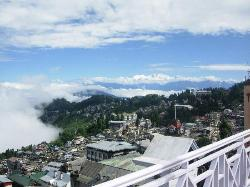 the view of mighty kanchunjunga from the sun deck