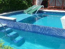 Plunge pool in front of Infinity swimup casita.