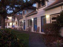 Ocean Rogue Inn