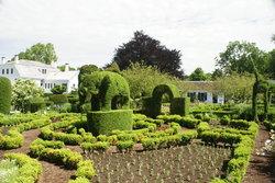 Green Animals Topiary Gardens