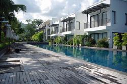 Beachfront-Villen und Pool