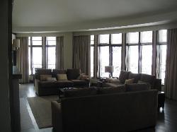 living room room 450B