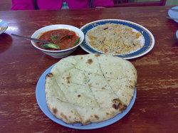 Pak Putra Tandoori & Naan Restaurant