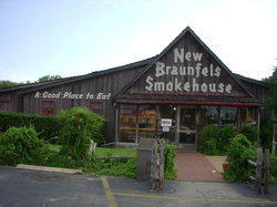 ‪New Braunfels Smokehouse‬