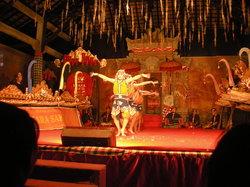 プラダラムブントゥユン寺院