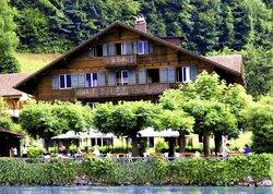 Lakelodge Iseltwald Hostel