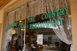 ‪Pine Country Restaurant‬