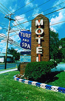 ‪Turf & Spa Motel‬