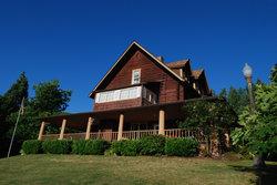 Mineral Lake Lodge