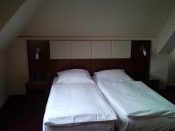 Adena Hotel