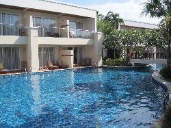Zimmer mit Poolzugang