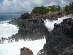 Jungmun-Daepo Jusangjeolli Cliff