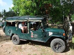 Vumbi Jeep Safaris