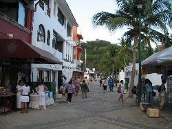 Huatulco shopping area near cruise pier (28870533)