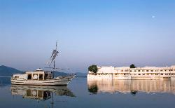 Jiva Spa Boat