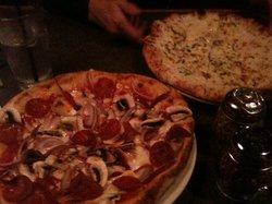Mancini's Brick Oven Pizzeria & Restaurant