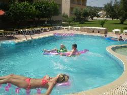 lazy pool days!!
