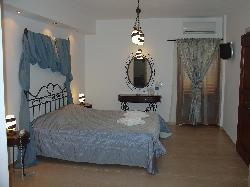 Chez Sophie Rooms & Suites