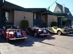 Tiki Village Motor Inn