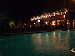 Mares Restaurant & Lounge