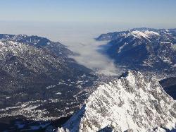 Garmisch from Zugspitze (29616531)