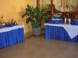 bar et buffet briches du matin dans lobby