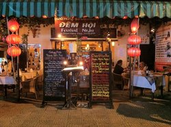 Dem Hoi - Festival Night Restaurant